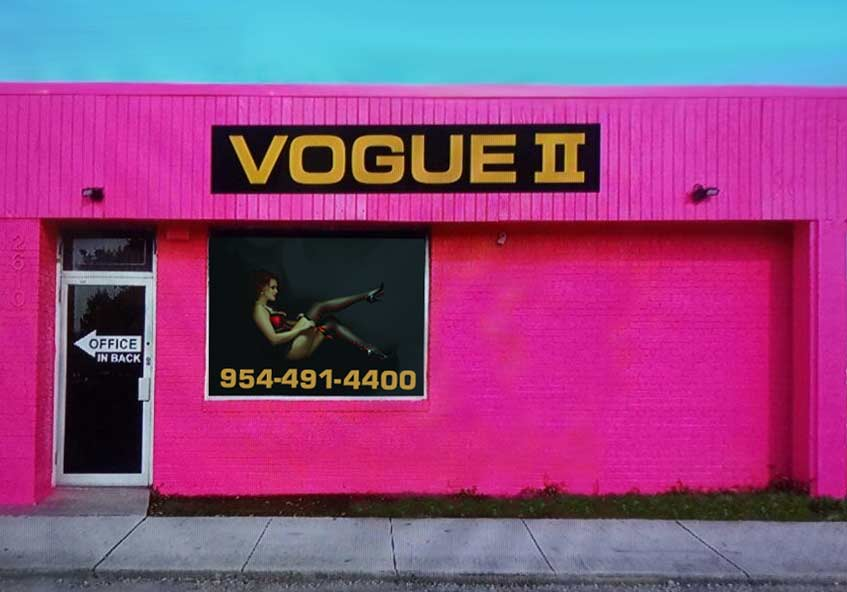 Vogue II Outside